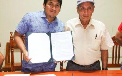 MUNICIPALIDAD DISTRITAL DE CAJARURO FIRMA CONVENIO DE APOYO ESPECÍFICO INTERINSTITUCIONAL CON LA ASOCIACIÓN DE PERSONAS CON DISCAPACIDAD Y FAMILIARES «EMANUEL» DE CAJARURO.